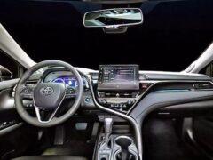 Toyota показала новый Camry с эксклюзивными опциями для Китая