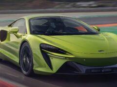 McLaren представил гибридный суперкар Artura 2022 года