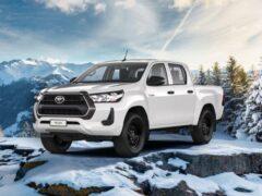 Российская версия Toyota Hilux получила бензиновый двигатель