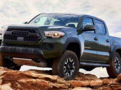 Пикап Toyota Tacoma получил заводской тюнинг