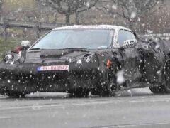 Закамуфлированный прототип Chevrolet Corvette C8 заметили в Германии