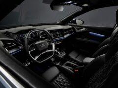 Audi показала высокотехнологичный интерьер электрокросса Q4 E-Tron