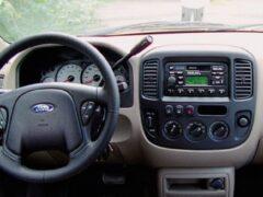 Пять странных решений в автомобилях, способных удивить опытного водителя