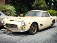 Ржавый Maserati, простоявший 43 года в гараже, продали за 16,7 млн рублей
