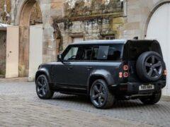 Land Rover готовит более производительную версию внедорожника Defender