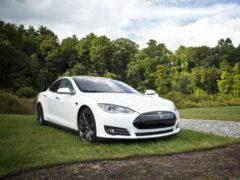 Китайский Xpeng P5 — аналог Tesla Model 3 — бьёт рекорды по предзаказам