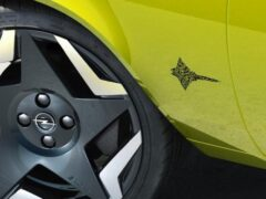 Новые модели Opel не получат шильдиков и эмблем