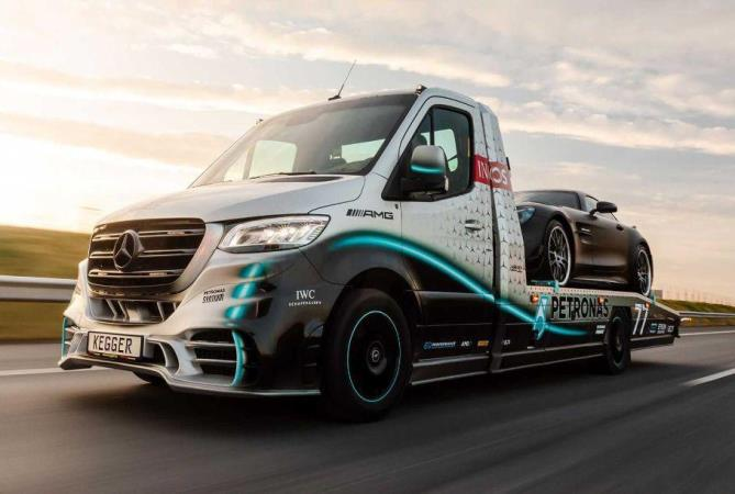 Mercedes-Benz Sprinter Petronas Edition, эвакуатор