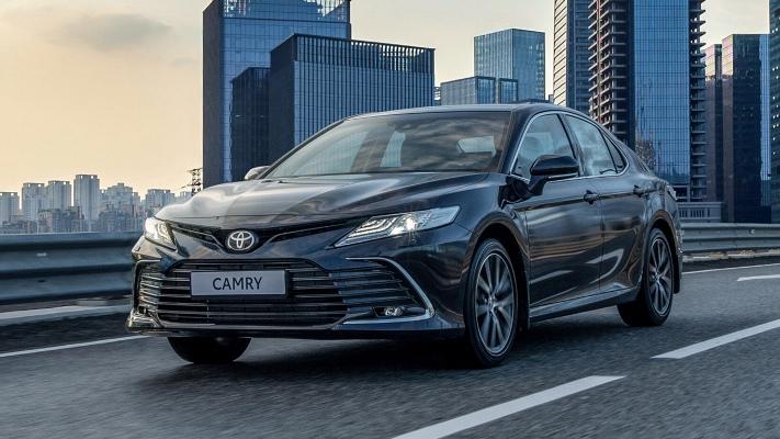 Toyota Camry, бизнес-седан