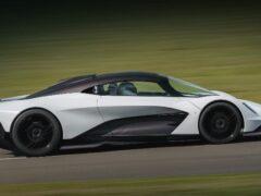 Aston Martin будет оснащать свои новые модели начинкой от Mercedes-AMG