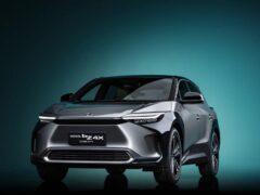 Toyota представила концепт bZ4X электрического кроссовера 2022 года
