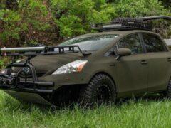 Гибридный Toyota Prius превратили в идеальный автомобиль для охоты