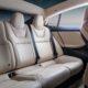 Компания Tesla запатентовала поворотные кресла и подвижный руль