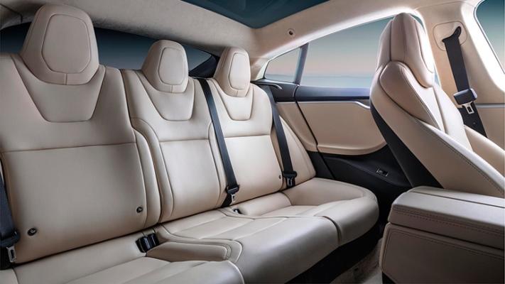 Tesla, поворотные сиденья