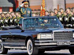 Назвали модели авто, участвовавших в парадах Победы на Красной площади