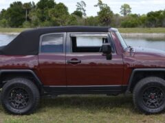 В США продают внедорожник Toyota FJ Cruiser с мягким складным верхом
