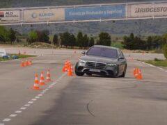 Новый седан Mercedes-Benz S-Class не прошел «лосиный тест»