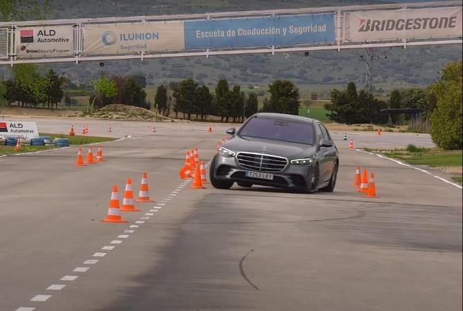 Mercedes-Benz S-Class, лосиный тест