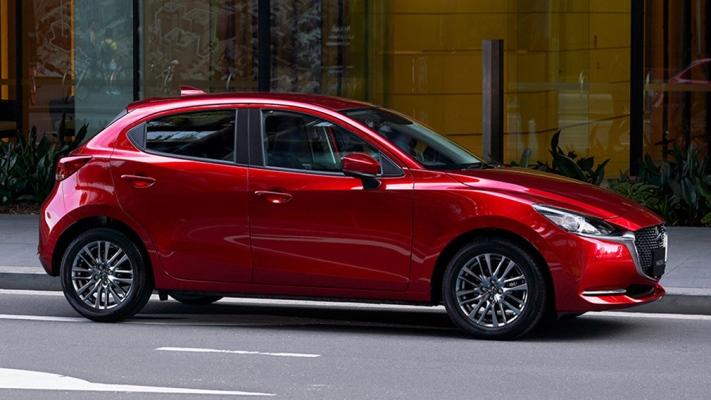 Mazda2, обновленная