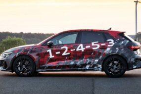 Audi рассказала о новом спортивном хэтчбеке и седане RS3 2022 года