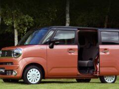 Suzuki представила новую модель Wagon R Smile со сдвижными дверьми