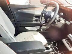 В Сети появились шпионские фото салона нового Renault Megan E