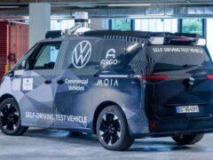 Volkswagen представил беспилотный минивэн на электрическом приводе