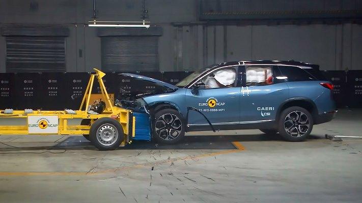 Audi Q4 e-tron, краш-тест